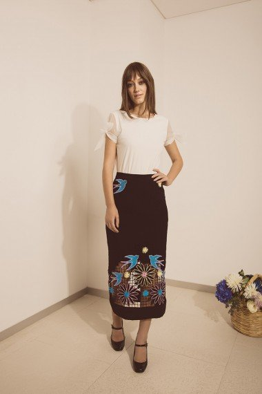 Sandra Tee White and Heather Skirt Black Styled