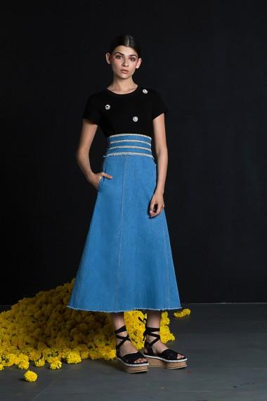 SS18-10180  Demi Skirt SS18R099 Honey T-Shirt Black SS18R066