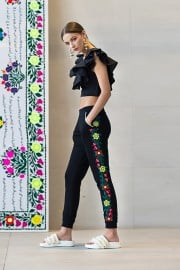 DDD_5145  SS18M020 LILY TOP SS18M059 TARA SWEAT PANTS- EMBROIDERED